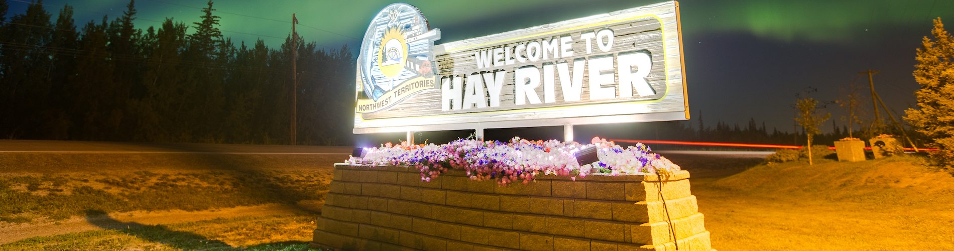 welcome to hay river sign